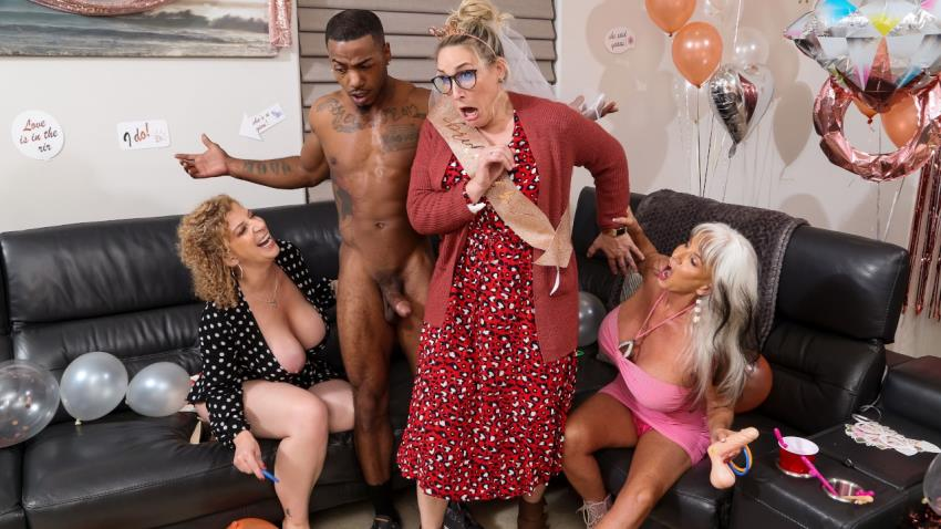 MilfsLikeitBig.com/Brazzers.com: Sara Jay, Sally DAngelo, Mazee The Goat - Double Dip On The Magic Stick [HD 720p] (528 MB) - March 13, 2021