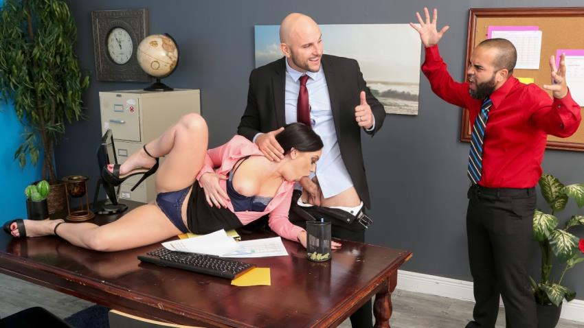 RealWifeStories.com/Brazzers.com: JMac, Leila Larocco - Getting Her Husband A Raise [HD 720p] (463 MB) - April 6, 2021