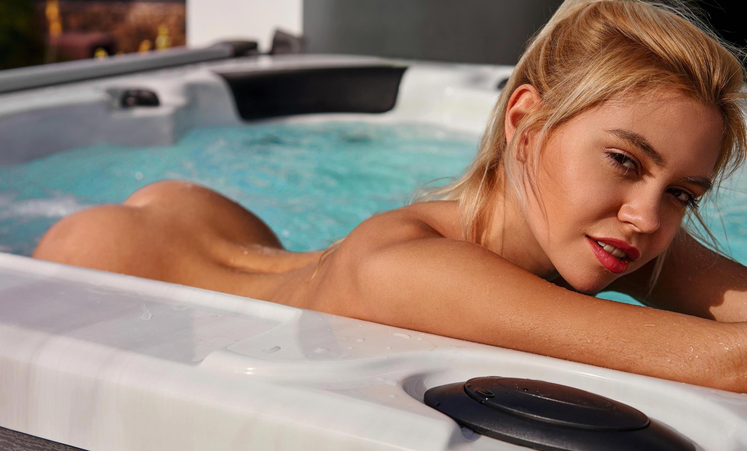 Девушка месяца Playboy Германия в апреле 2021 Маргарита Гаевска / фото 01