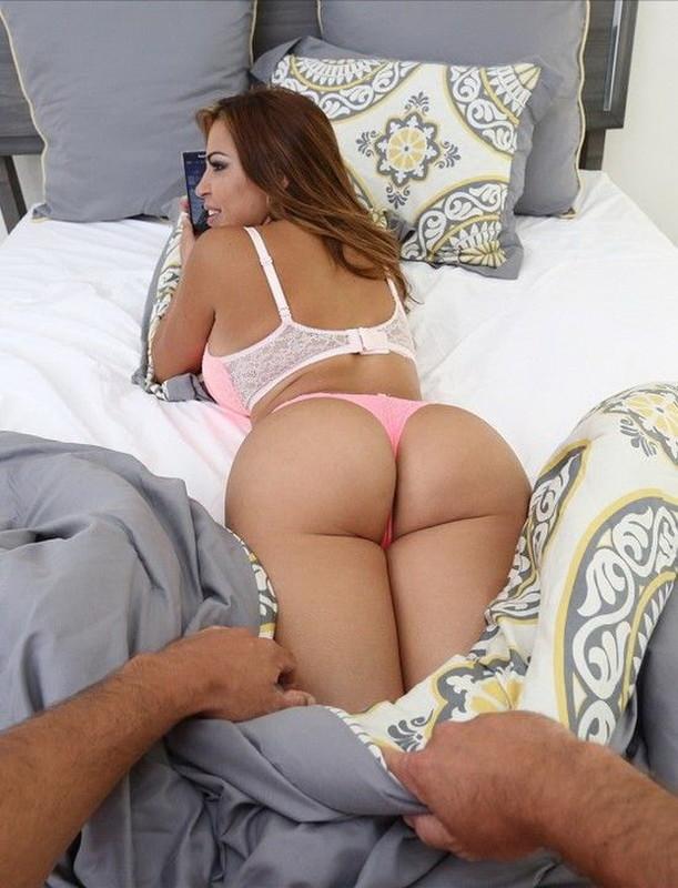 Julianna Vega - Experience Julianna Vega riding your cock! [BangPOV/BangBros] FullHD 1080p