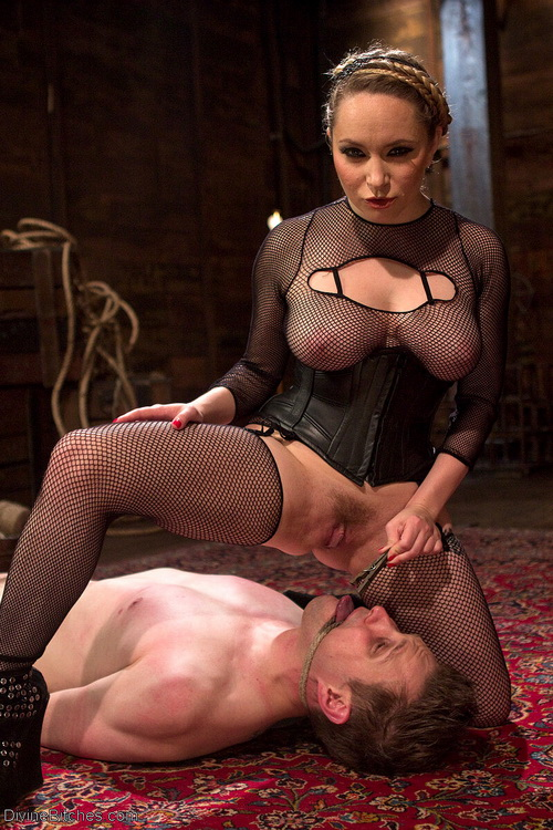 Extreme Femdom Chastity - Aiden Starr, Bastian Daniels [DivineBitches] (HD 720p)