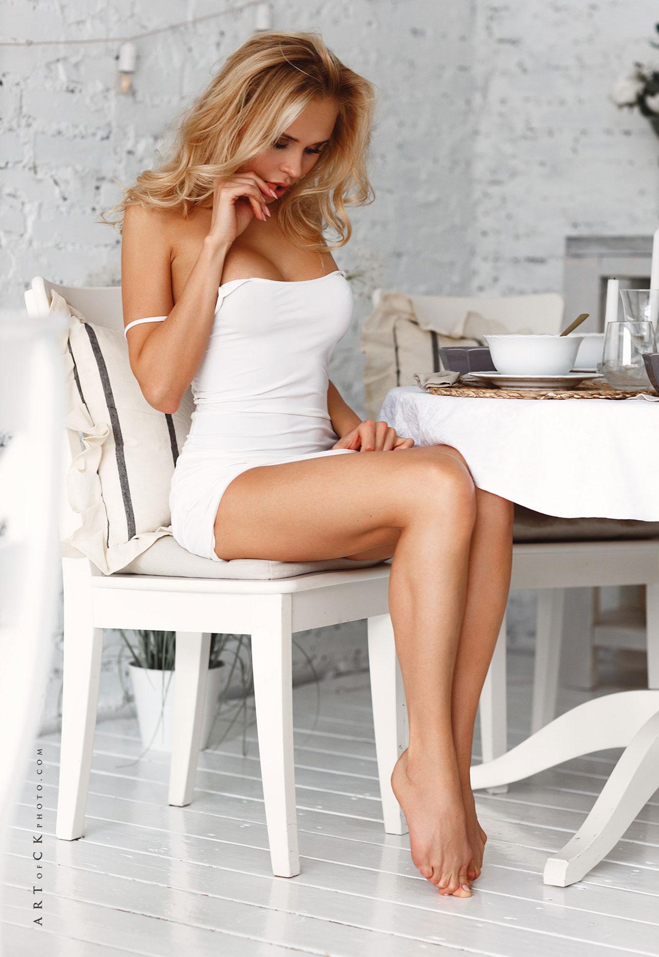 самая сексуальная русская медсестра в домашней обстановке / фото 02