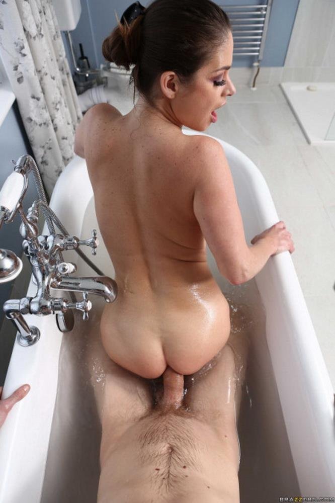 BigWetButts/Brazzers - Cathy Heaven - Soapy Self-Care (480p/SD)