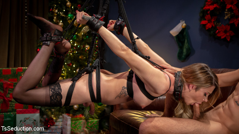 TSSeduction.com/Kink.com: Casey Kisses, Dante Colle - Best Christmas Ever: Gorgeous Casey Kisses Submits To Dante Colle [SD 540p] (594 MB) - December 24, 2019