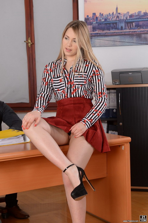 Selvaggia ~ DPd Secretary ~ DPFanatics/21Sextury ~ FullHD 1080p