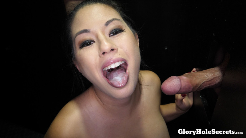 GloryHoleSecrets.com - Nikko Jordan [Nikkos Third Gloryhole Video] (SD 540p)