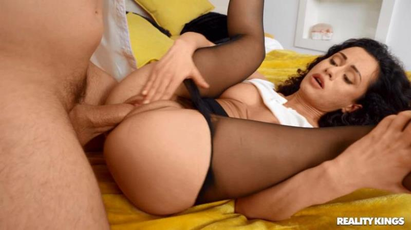 Stacy Bloom - Busting On The Anal Bead Thief [RKPrime.com/RealityKings.com] HD 720p