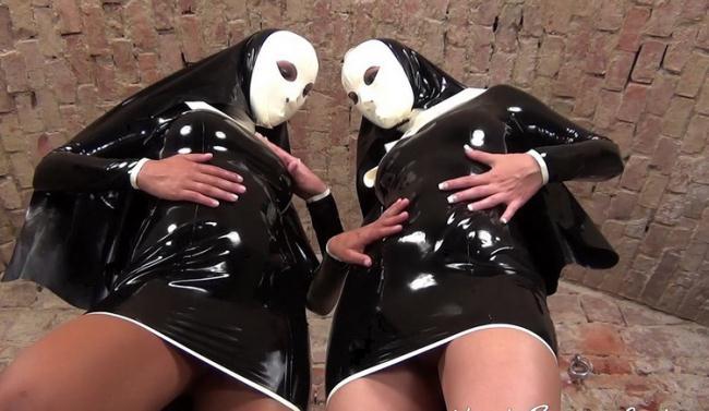NastyRubberGirls.com: Unknown - video 0007 [HD 720p] (776 MB)