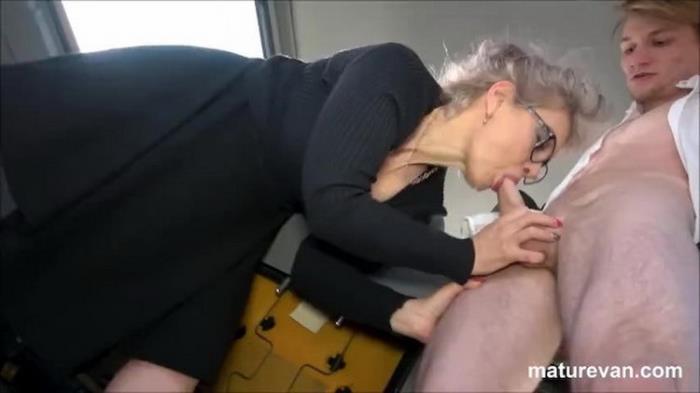 MatureVan.com: Unknown - Hot granny wants young cock [FullHD 1080p] (664 MB)