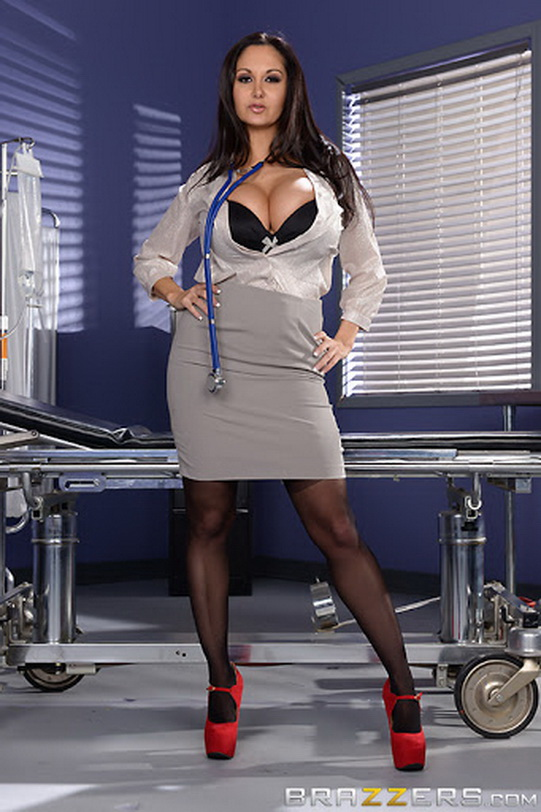 DoctorAdventures/Brazzers: Ava Addams - The Dick Doctor [SD|480p|288 MB]