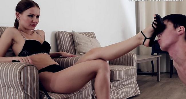 Russian-Mistress.com: Linda - Mistress Linda [HD|720p|322 MB]