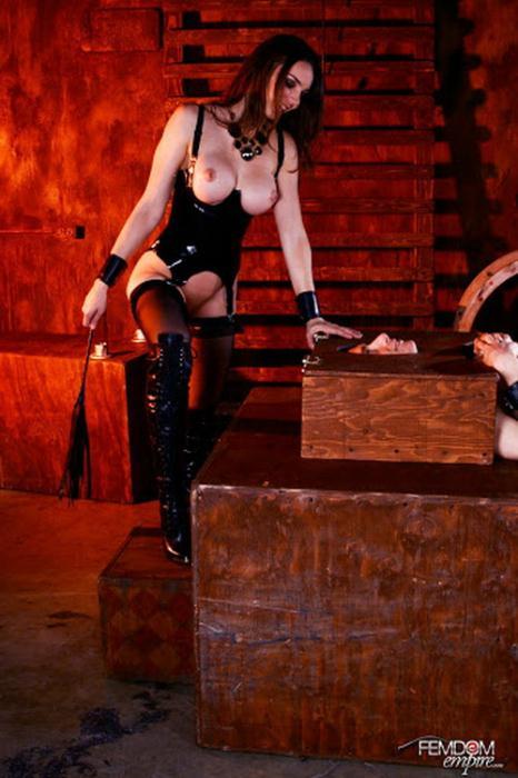 Tiffany Tyler - Slave To Pussy (2021) [HD/720p/MP4/405 MB] by Utrodobroe