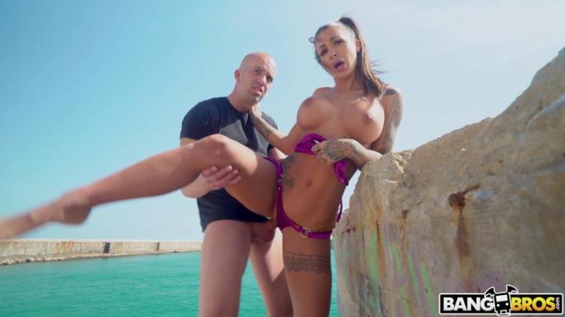 Susy Gala - Orgasms On The Beach (PublicBang.com/BangBros.com/FullHD) - Flashbit