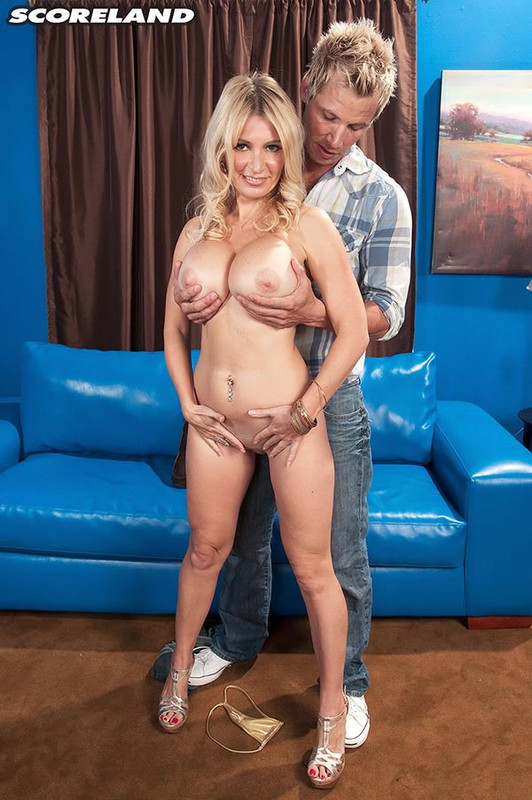 Ingrid Swenson - How Busty Blondes Get More Cum (2021 Scoreland.com ScoreHD.com) [FullHD   1080p  949.34 Mb]