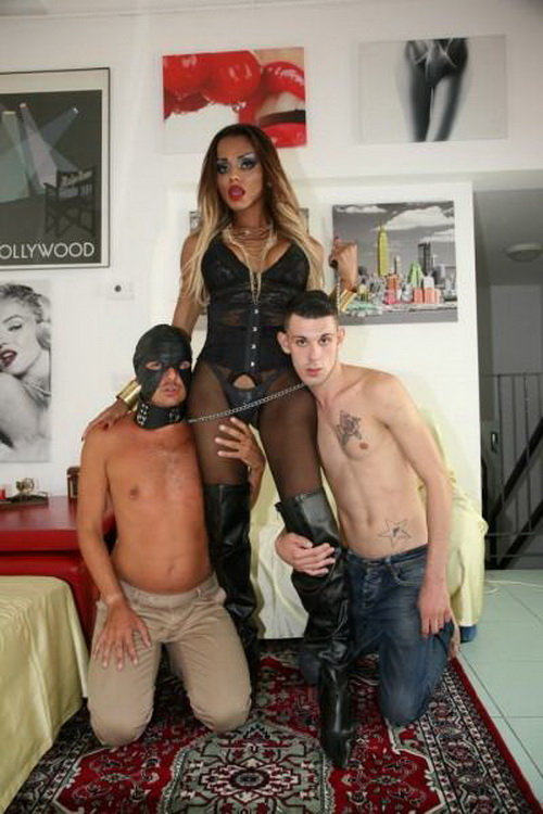 Veronika Havenna - Tranny playing with her slave men (2021 TransBella.com) [FullHD   1080p  1.98 Gb]