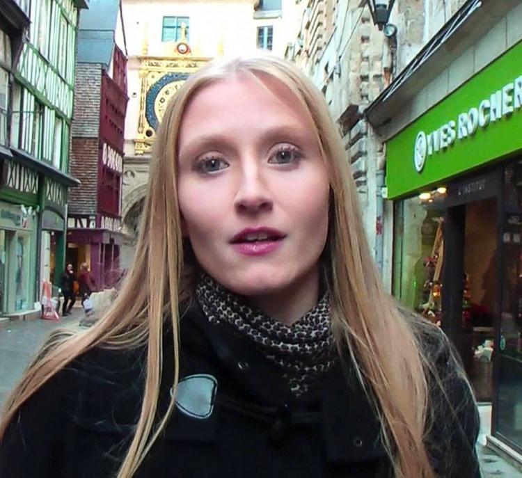 Kelly Doll - A Rouen avec Kelly ! (JacquieEtMichelTV/FullHD) - Flashbit