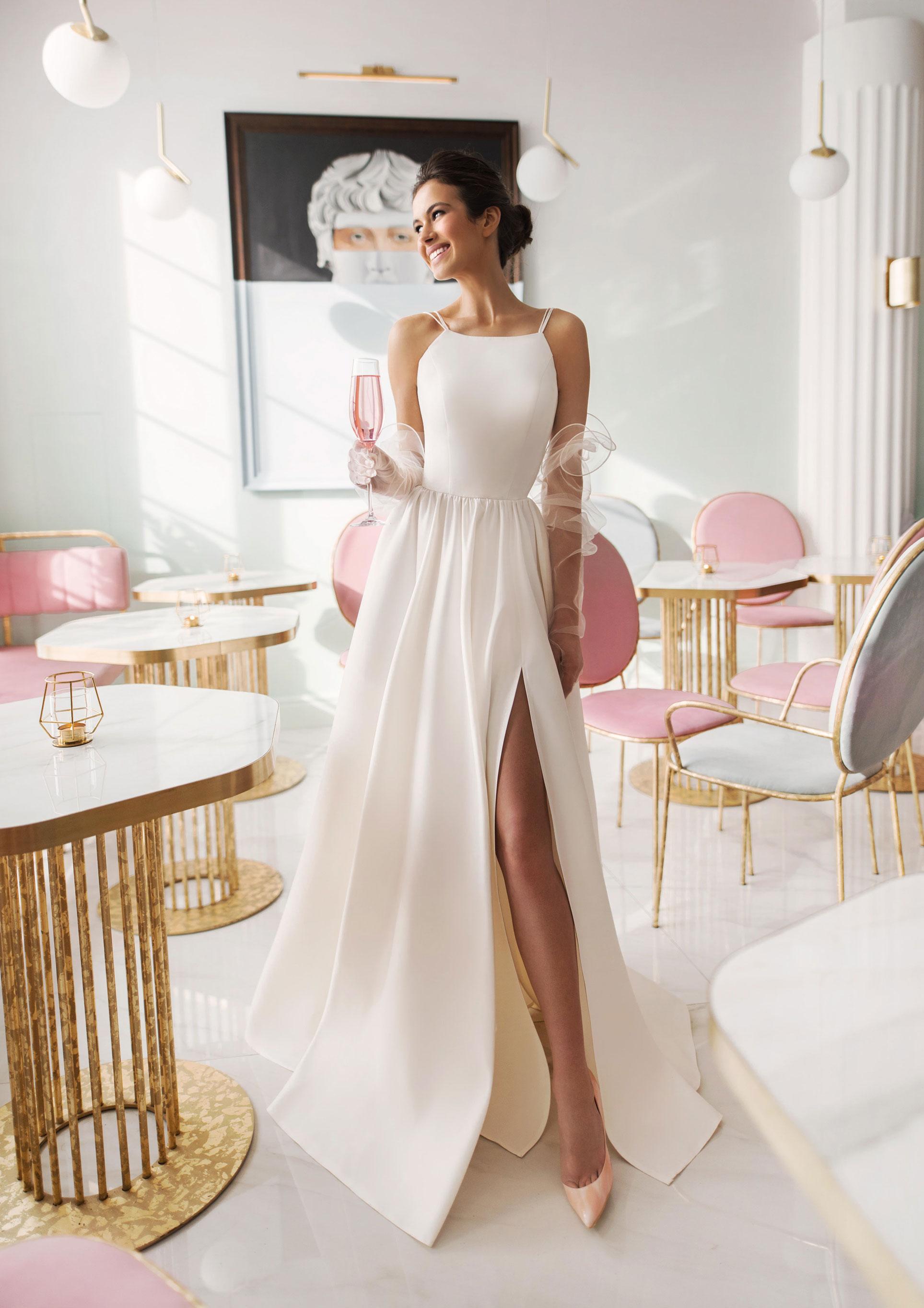 Ксения Саладуха в свадебных нарядах Ave Wedding, весна-лето 2019 / фото 07