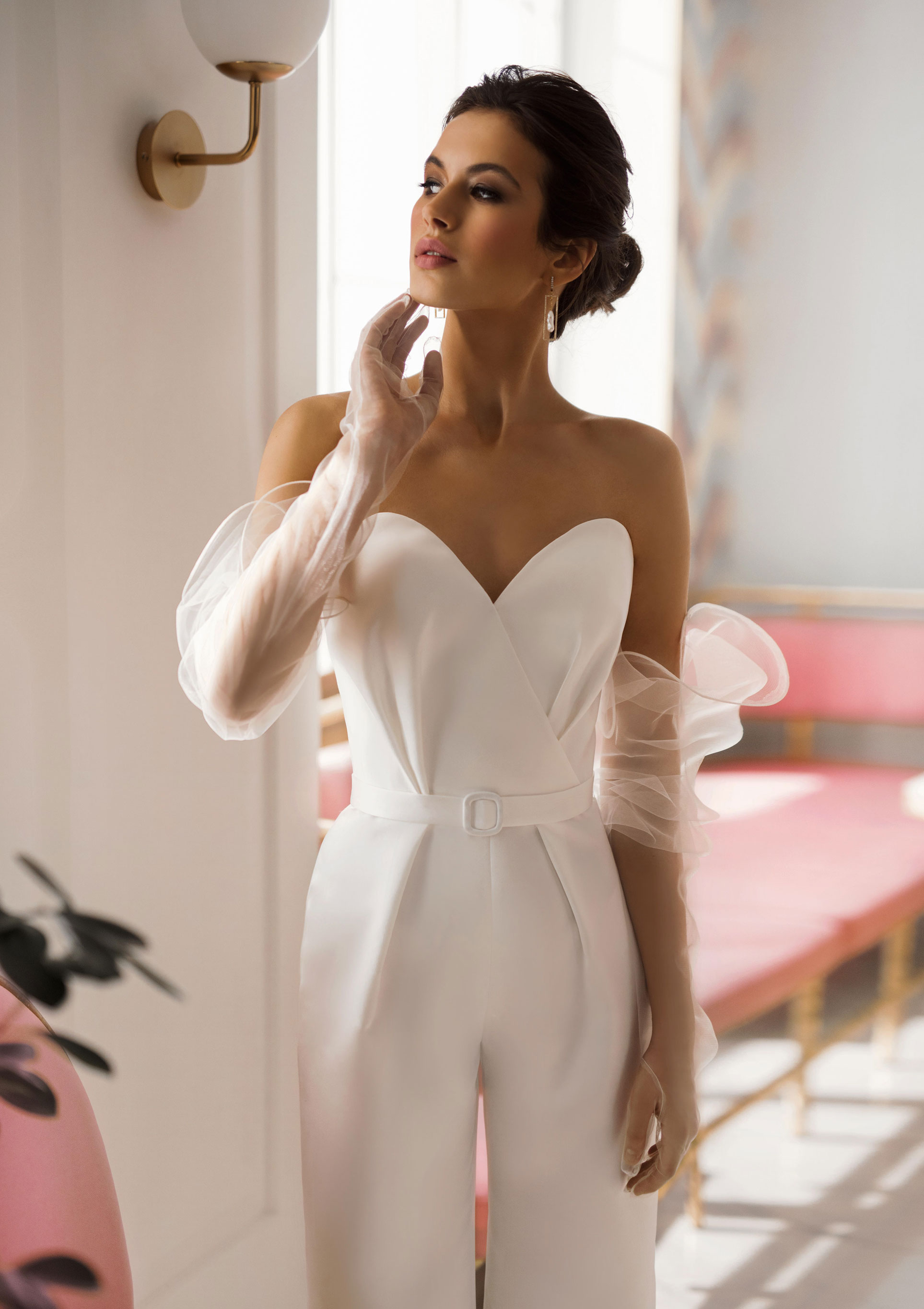 Ксения Саладуха в свадебных нарядах Ave Wedding, весна-лето 2019 / фото 08