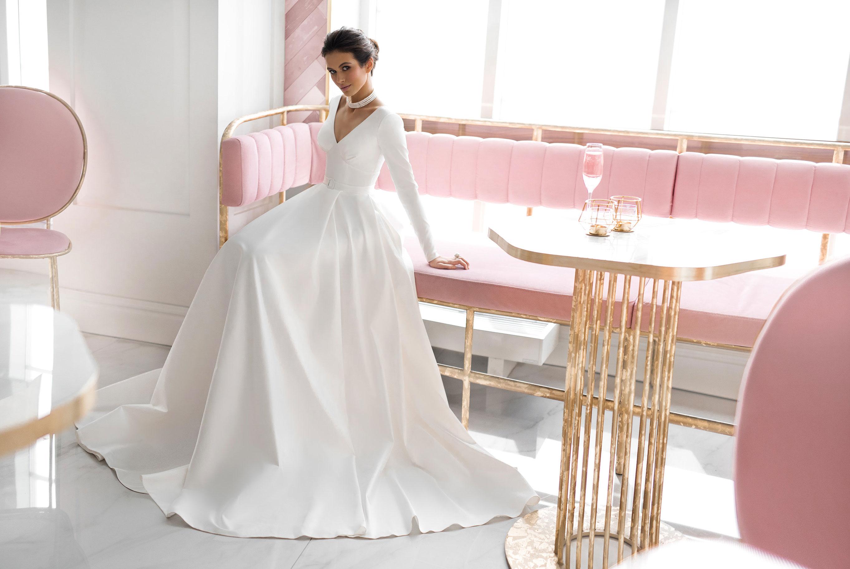 Ксения Саладуха в свадебных нарядах Ave Wedding, весна-лето 2019 / фото 09