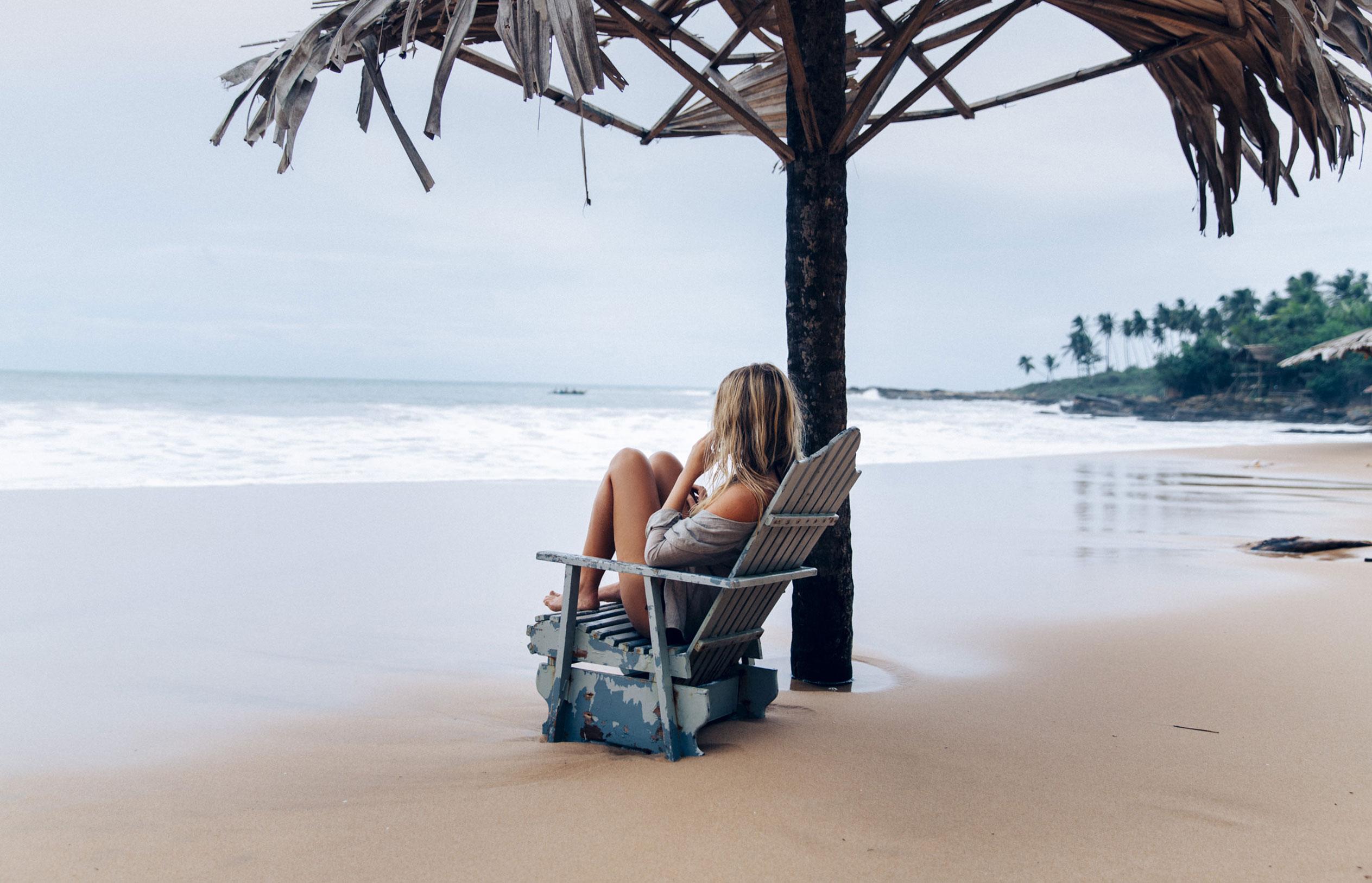 Пляж на Шри-Ланке после шторма / фото 01