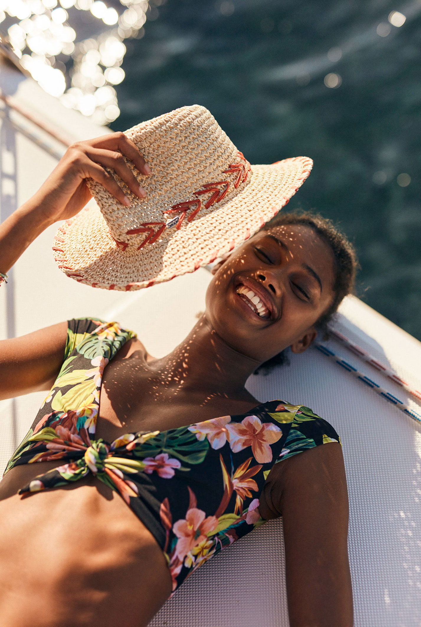 Делми Виейра в купальниках модного бренда Banana Moon, лето 2021 / фото 02